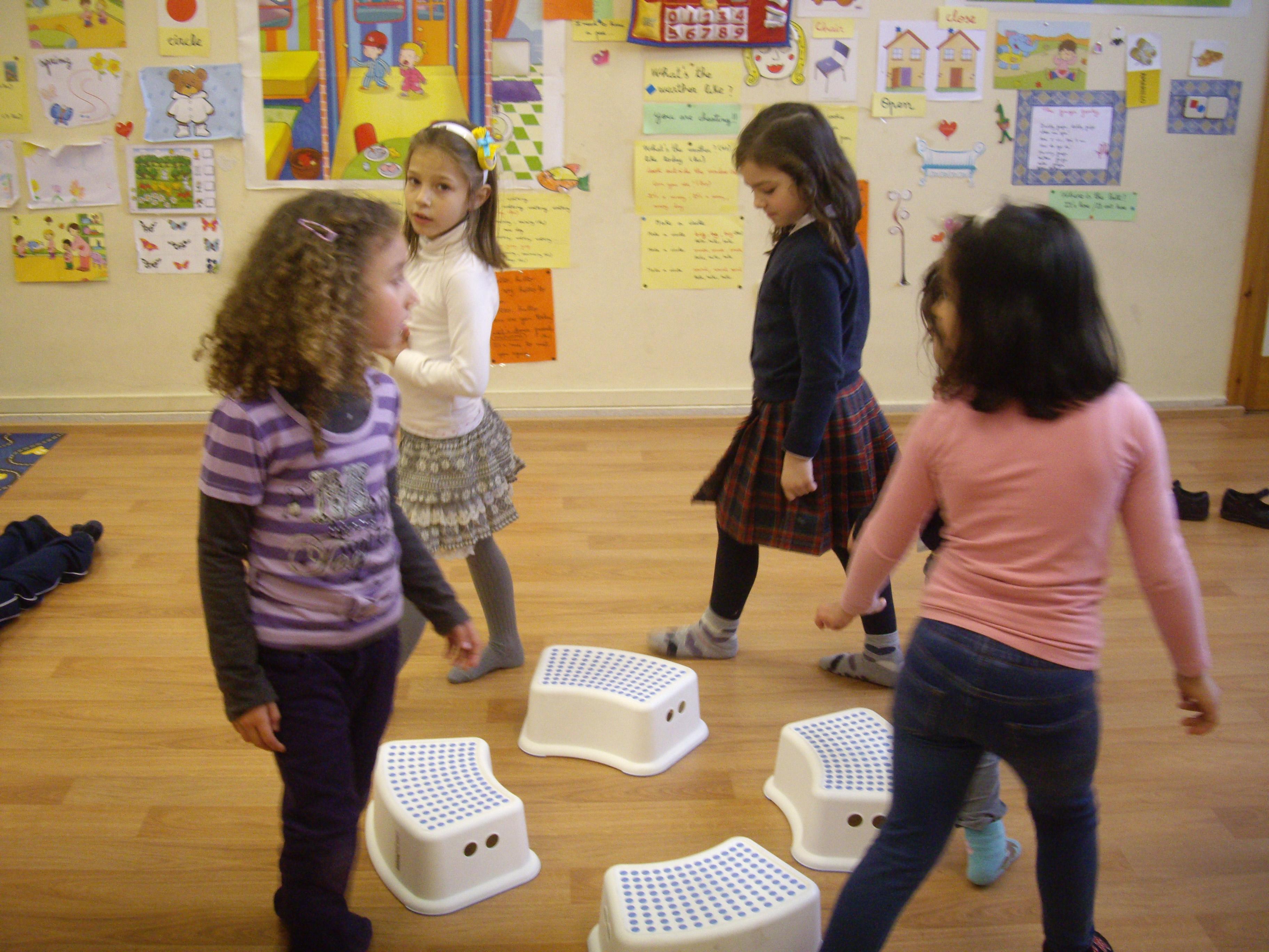 Escuela de Inglés English´s Fun, Games Marzo 2013 (3)