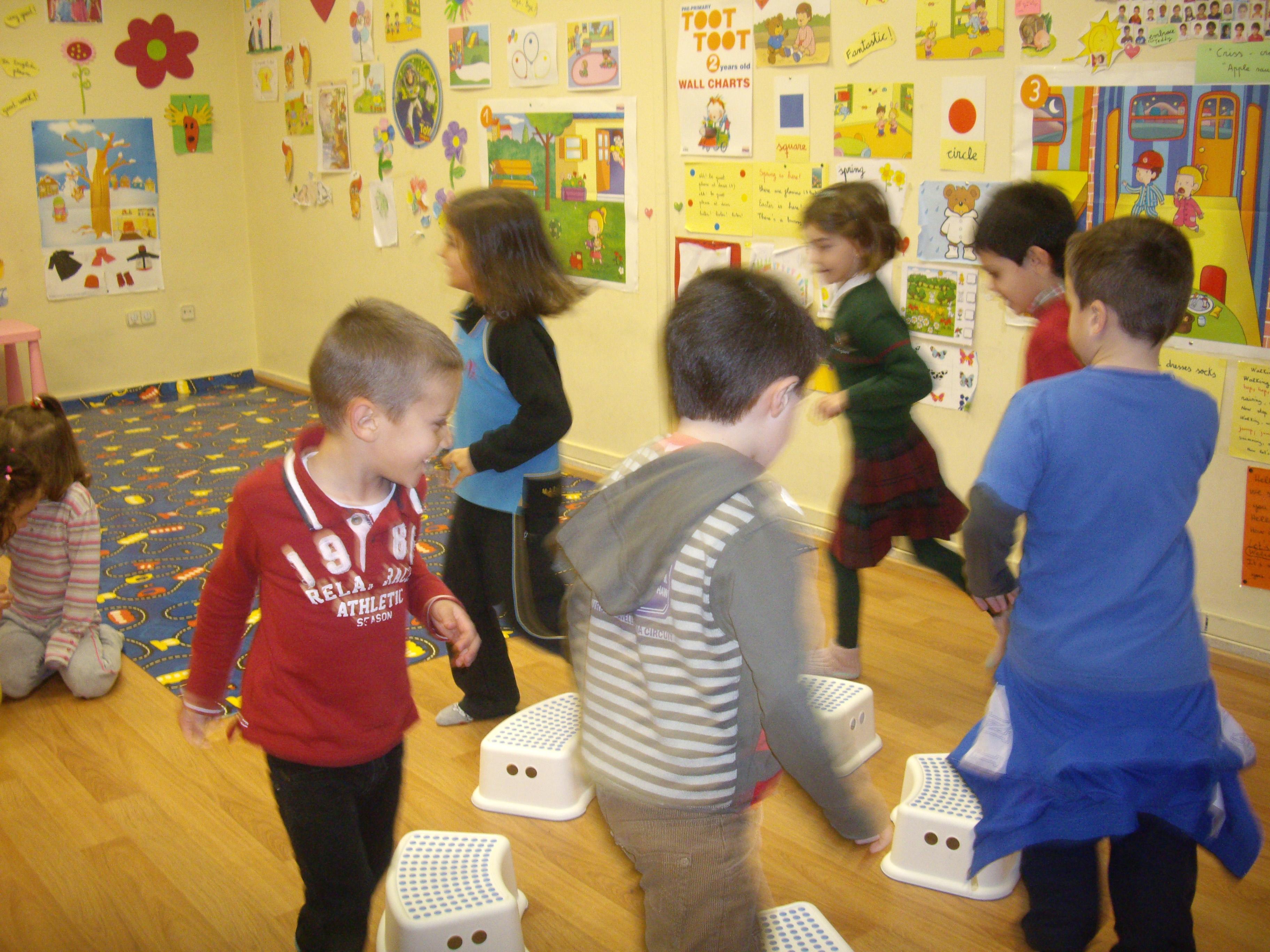 Escuela de Inglés English´s Fun, Games Marzo 2013 (4)