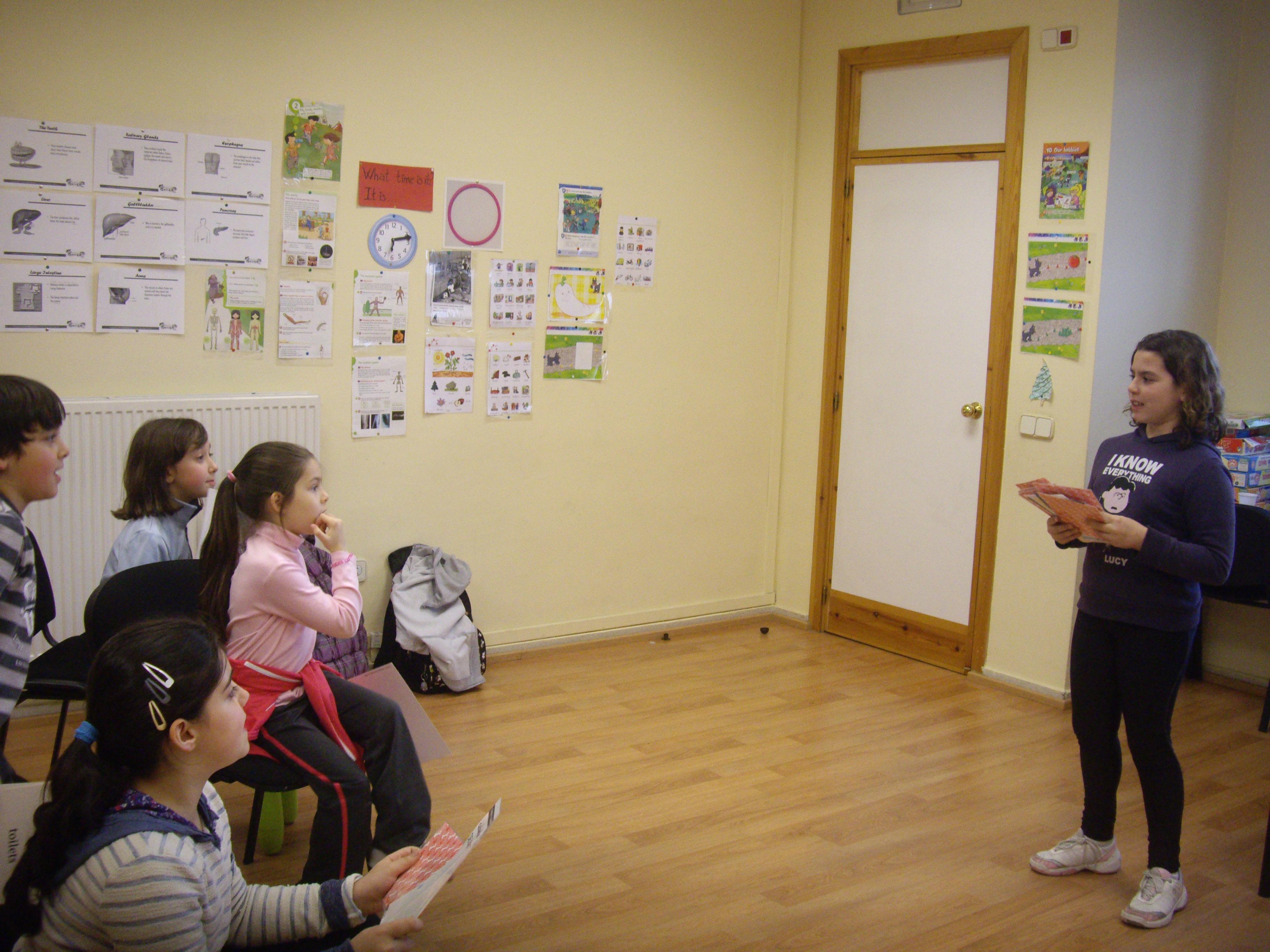 Escuela de Inglés English´s Fun, Games Marzo 2013 (5)