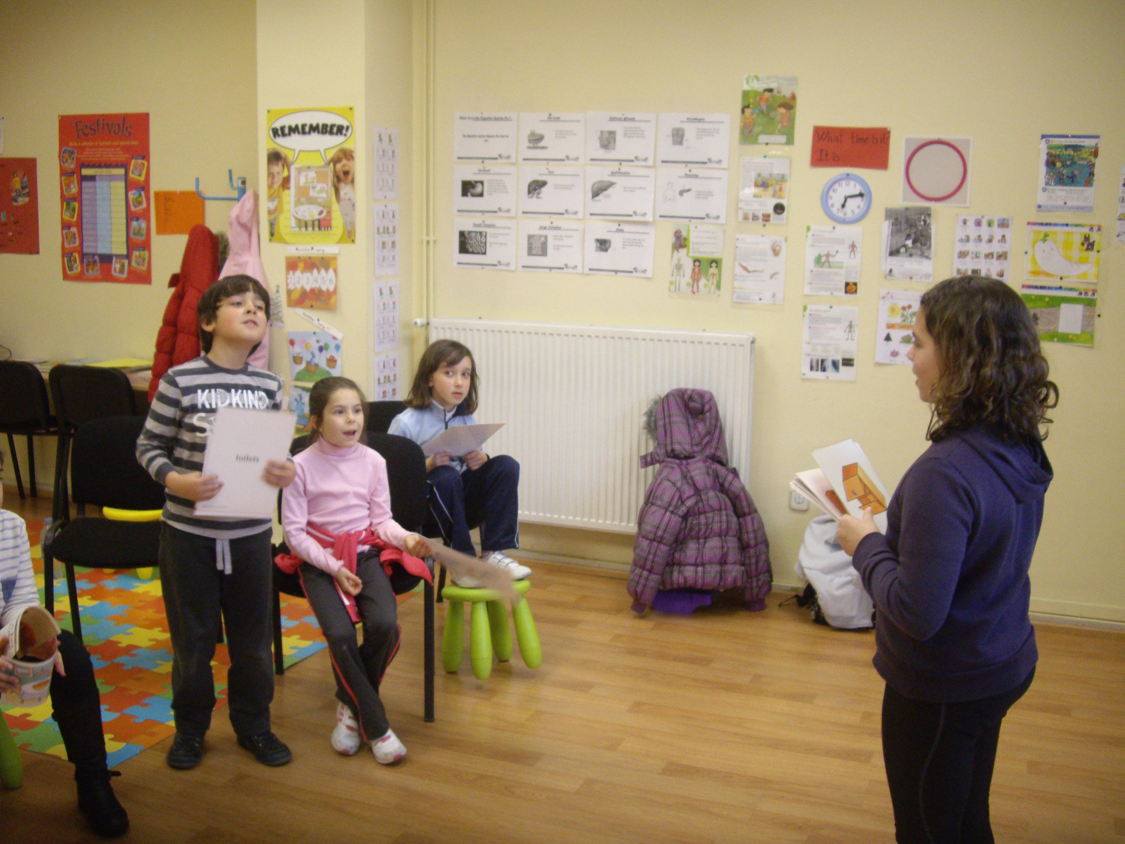 Escuela de Inglés English´s Fun, Games Marzo 2013 (6)