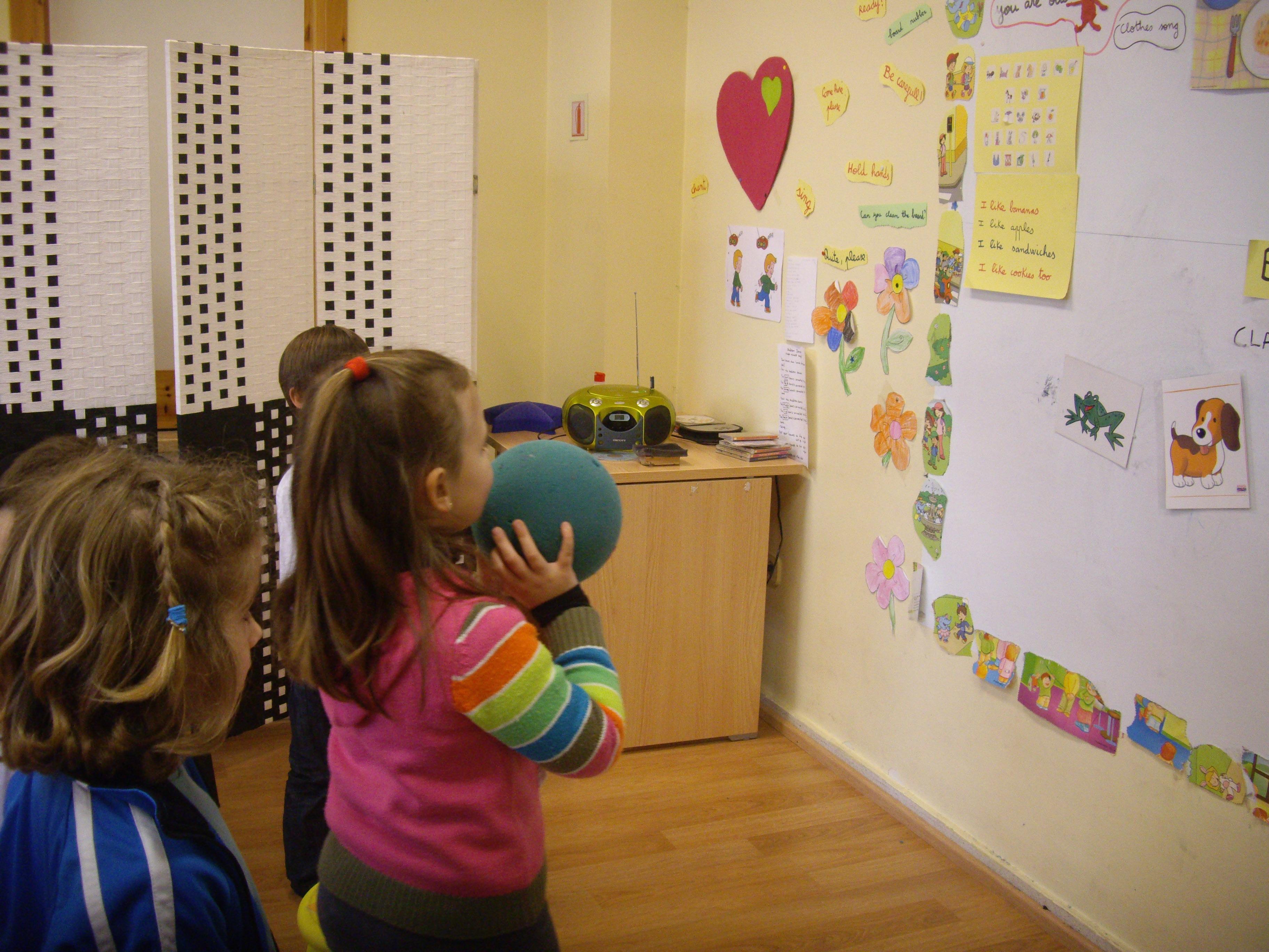 Escuela de Inglés English´s Fun, Games Marzo 2013 (9)