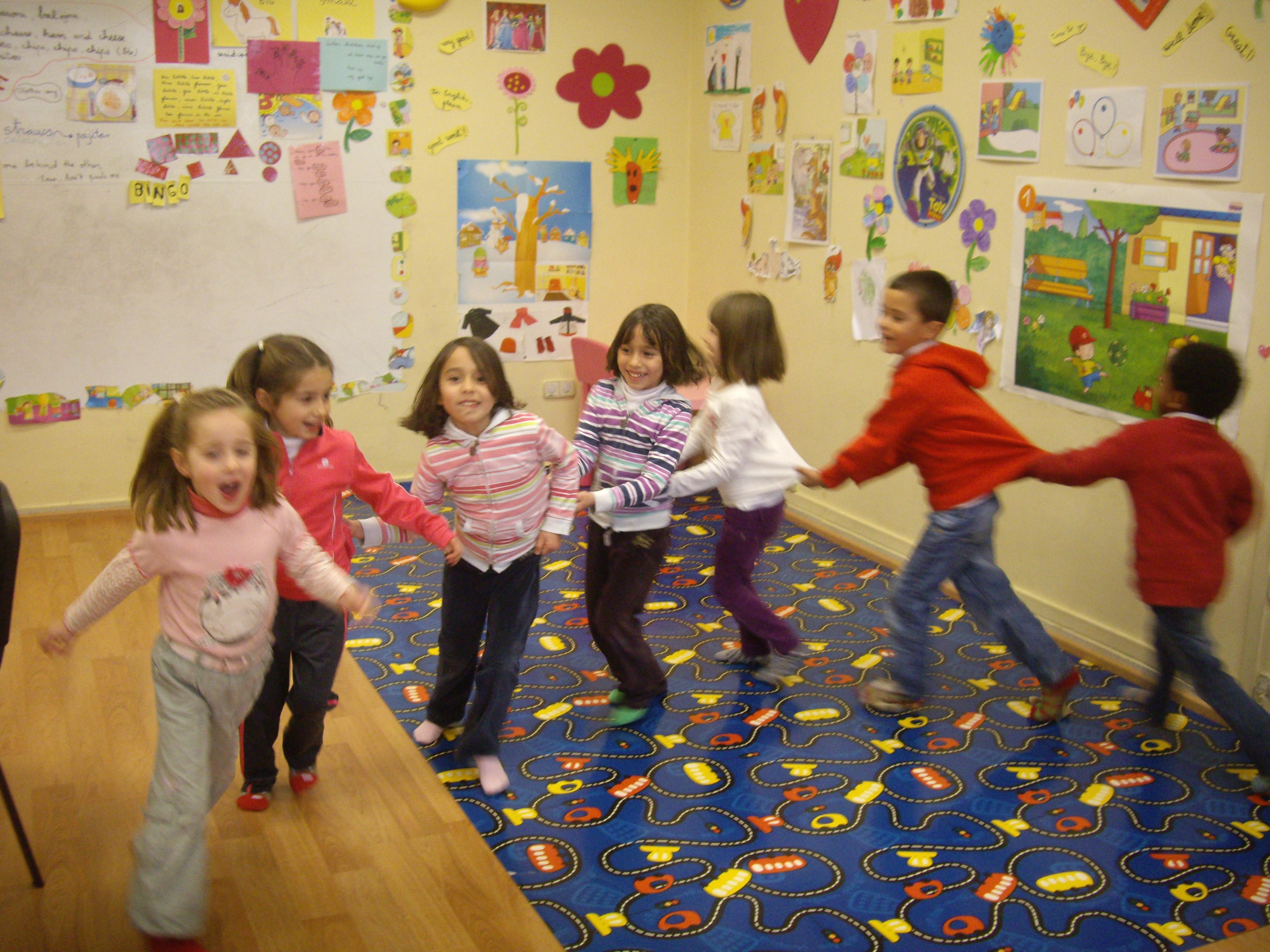 Escuela de Inglés English´s Fun, Songs Marzo 2013 (9)