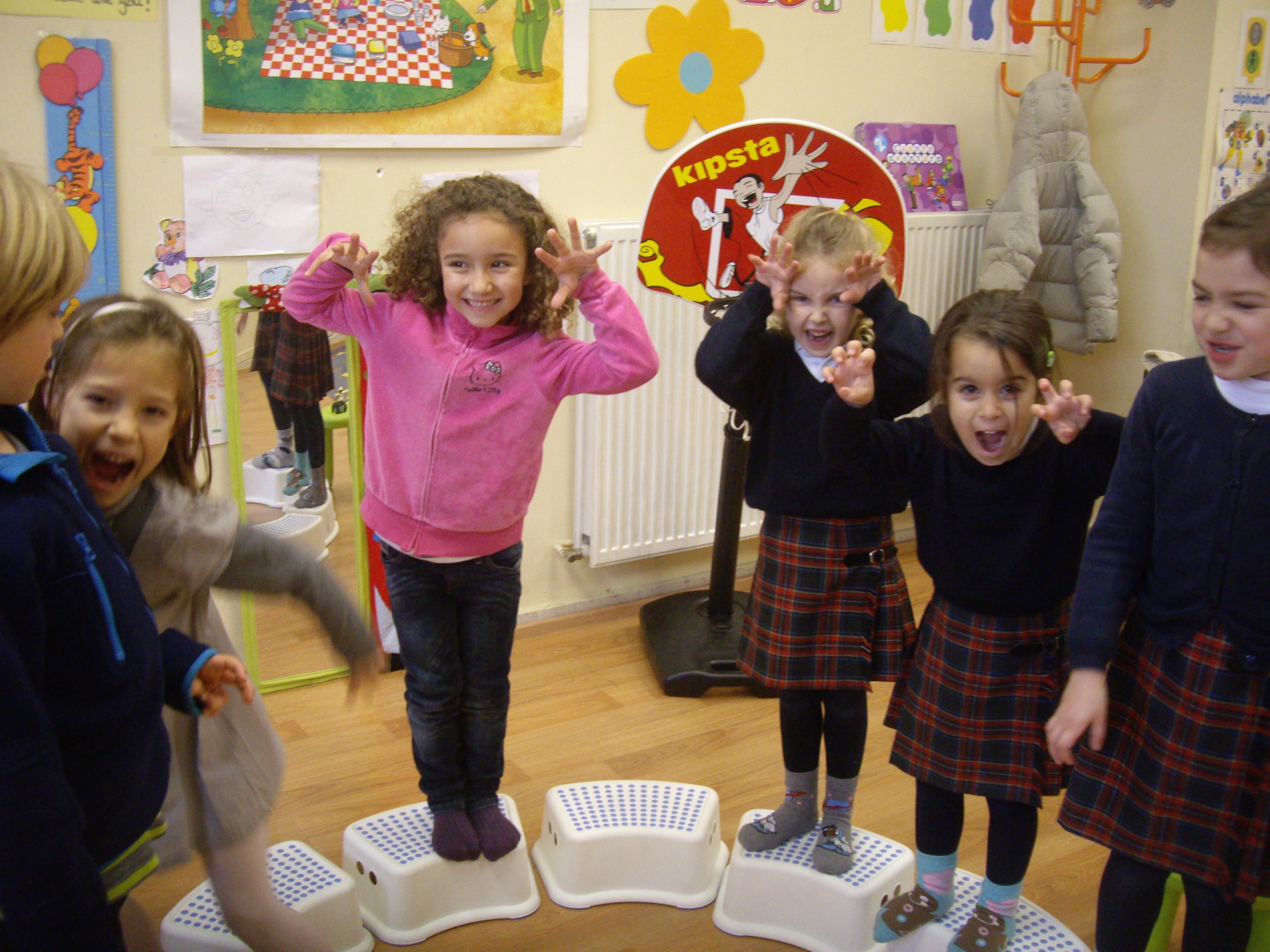 Escuela de Inglés English´s Fun Games (8)