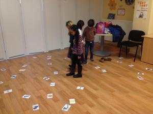 Lidia 1º Primary Collecting Clothes