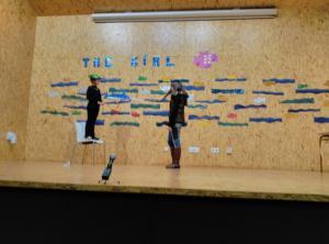 Teatro English´s Fun, The Girl Fish (1)