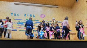 Teatro English´s Fun, The Girl Fish (13)