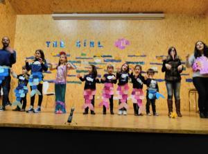 Teatro English´s Fun, The Girl Fish (4)