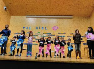 Teatro English´s Fun, The Girl Fish (6)