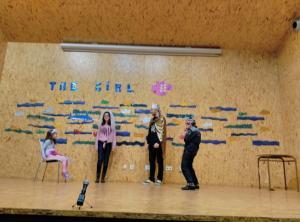 Teatro English´s Fun, The Girl Fish (9)